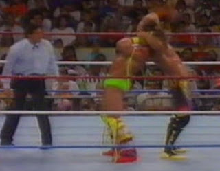 WWF / WWE Summerslam 1989 - The Ultimate Warrior blocks Rick Rude's 'Rude Awakening' in their classic Intercontinental Championship match