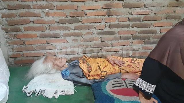 Berusia Lebih Dari 100 Tahun, Nenek Wartinah Masih Rajin Bershalawat
