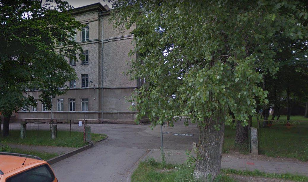 Средняя школа 6 и улица Strėvos. Тогда и сейчас