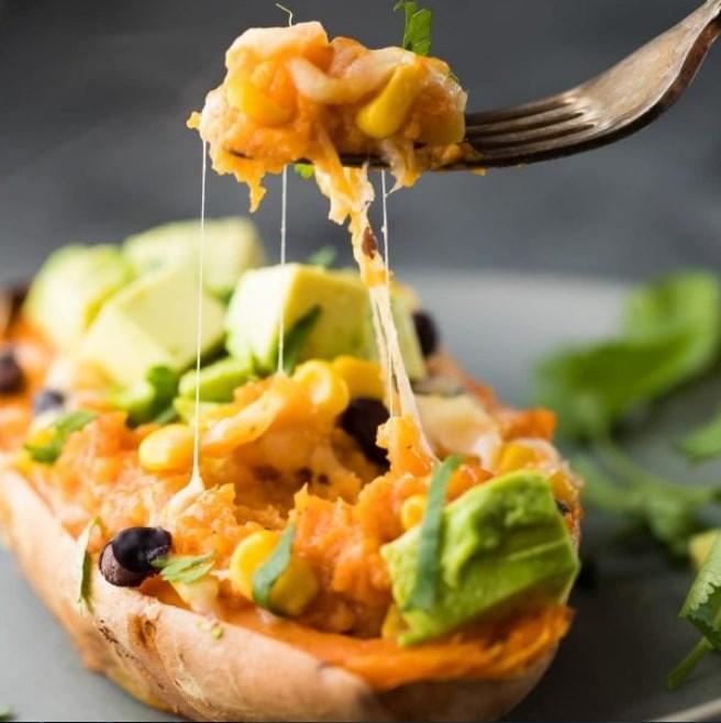 Freezer to Oven Enchilada Stuffed Sweet Potatoes #lunch #vegan
