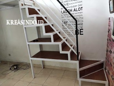 Jasa Tangga Besi Ada Raknya alas Multiplek di Jakarta Cocok Untuk Rumah Minimalis