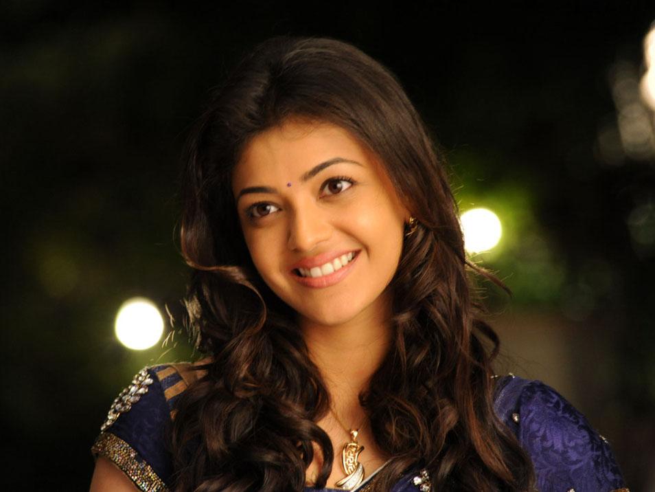 Telugu Actress Jyothi In Blue Salwar: ThePhotoZone: Kajal Agarwal Hot Bule Saree Photos