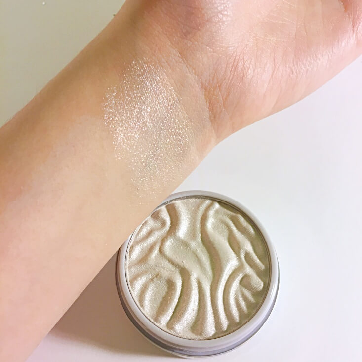 Physicians Formula Butter Highlighter Pearl swatch