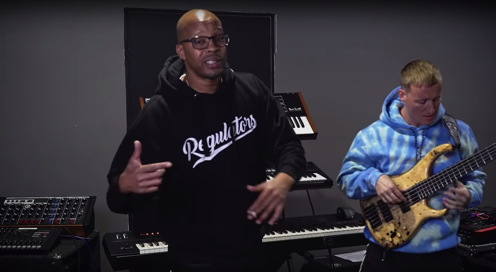 Warren G Regulate als Akustik Bass Version | Brady Watt's Bass & Bars Episode 18 ft. Warren G