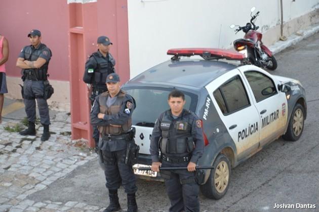 Resultado de imagem para policia militar carnaval guamaré