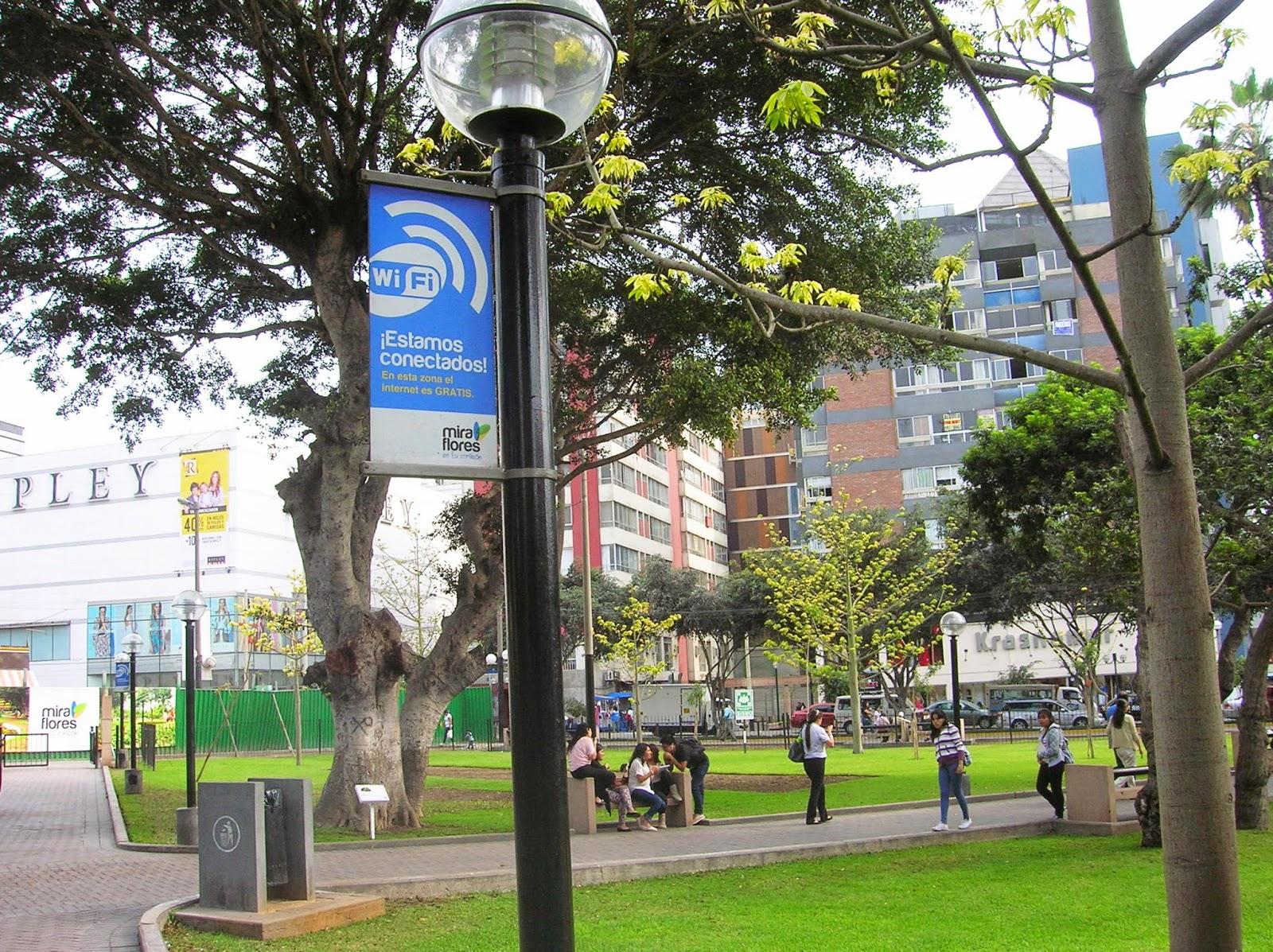Zona wifi , Miraflores, Lima, Perú, La vuelta al mundo de Asun y Ricardo, round the world, mundoporlibre.com