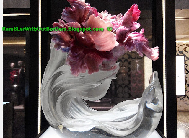 Liuli crystal glass art object