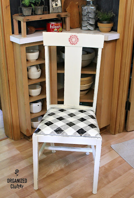 Farmhouse Style Buffalo Check Stenciled Dining Chairs #oldsignstencils #stencil #vintage #farmhouse
