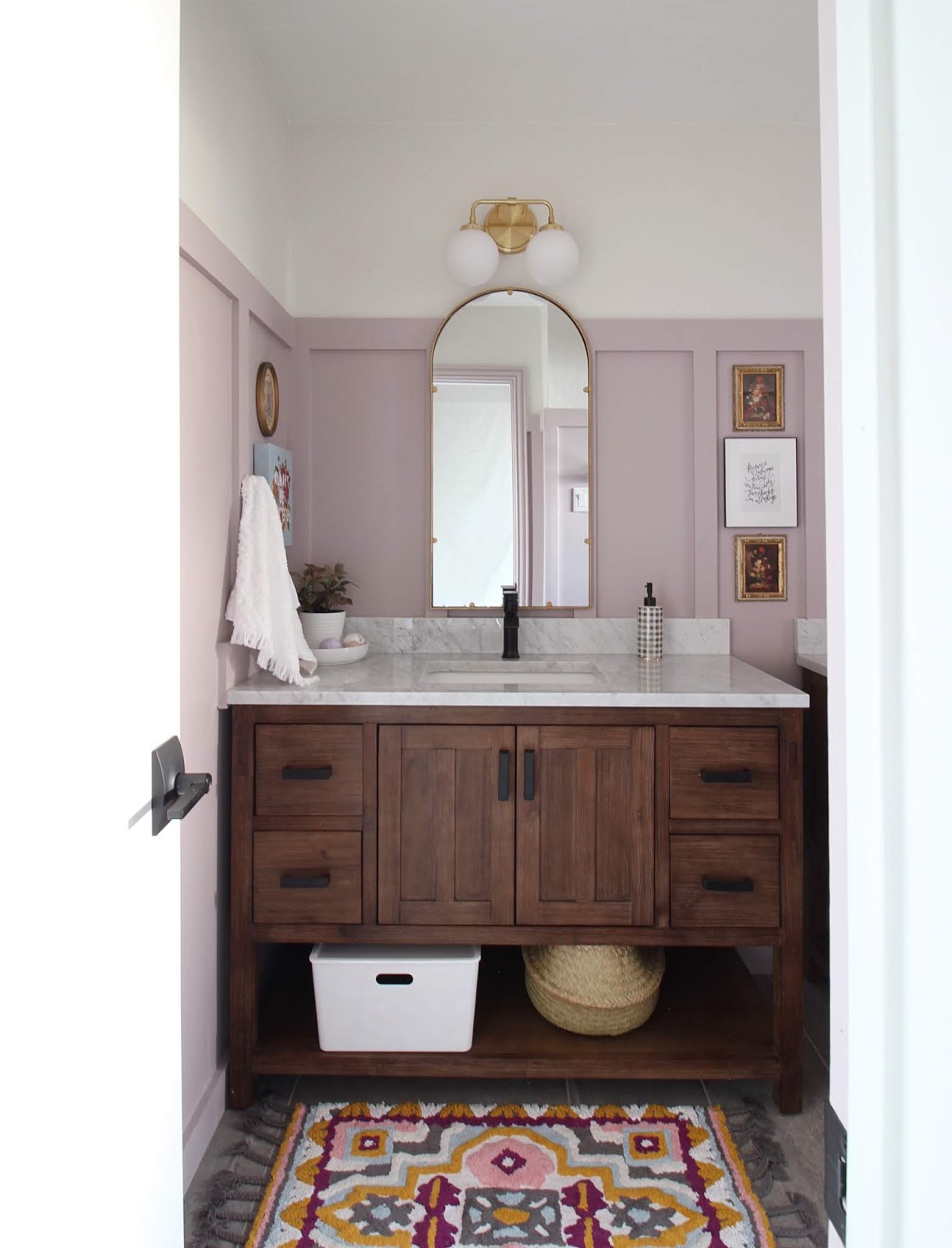 Primp and Pamper traditional, sophisticated girl's bathroom reveal | House Homemade