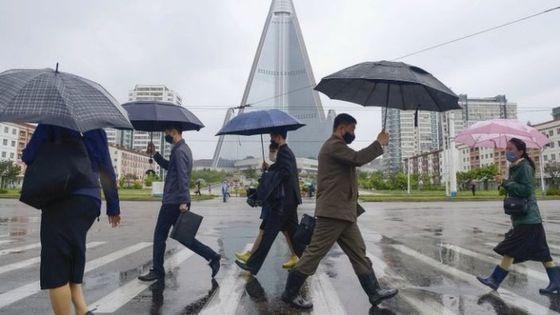 Πρώτο ύποπτο κρούσμα κορονοϊού στη Λ.Δ. Κορέας – Σε λοκντάουν μεθοριακή πόλη