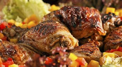 أفخاذ دجاج مشوية