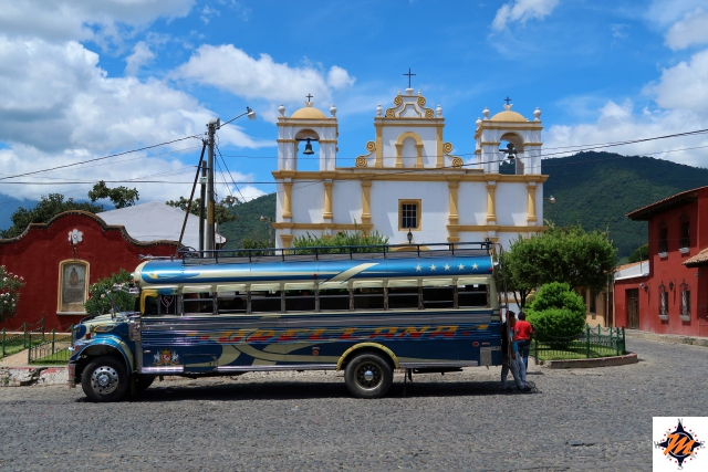 Antigua, chicken bus
