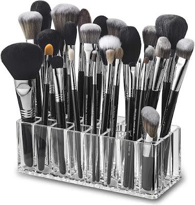 Makeup brush holder for DPNs