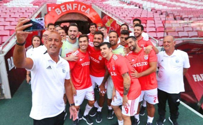 A selfie do Hóquei Patins no Estádio da Luz