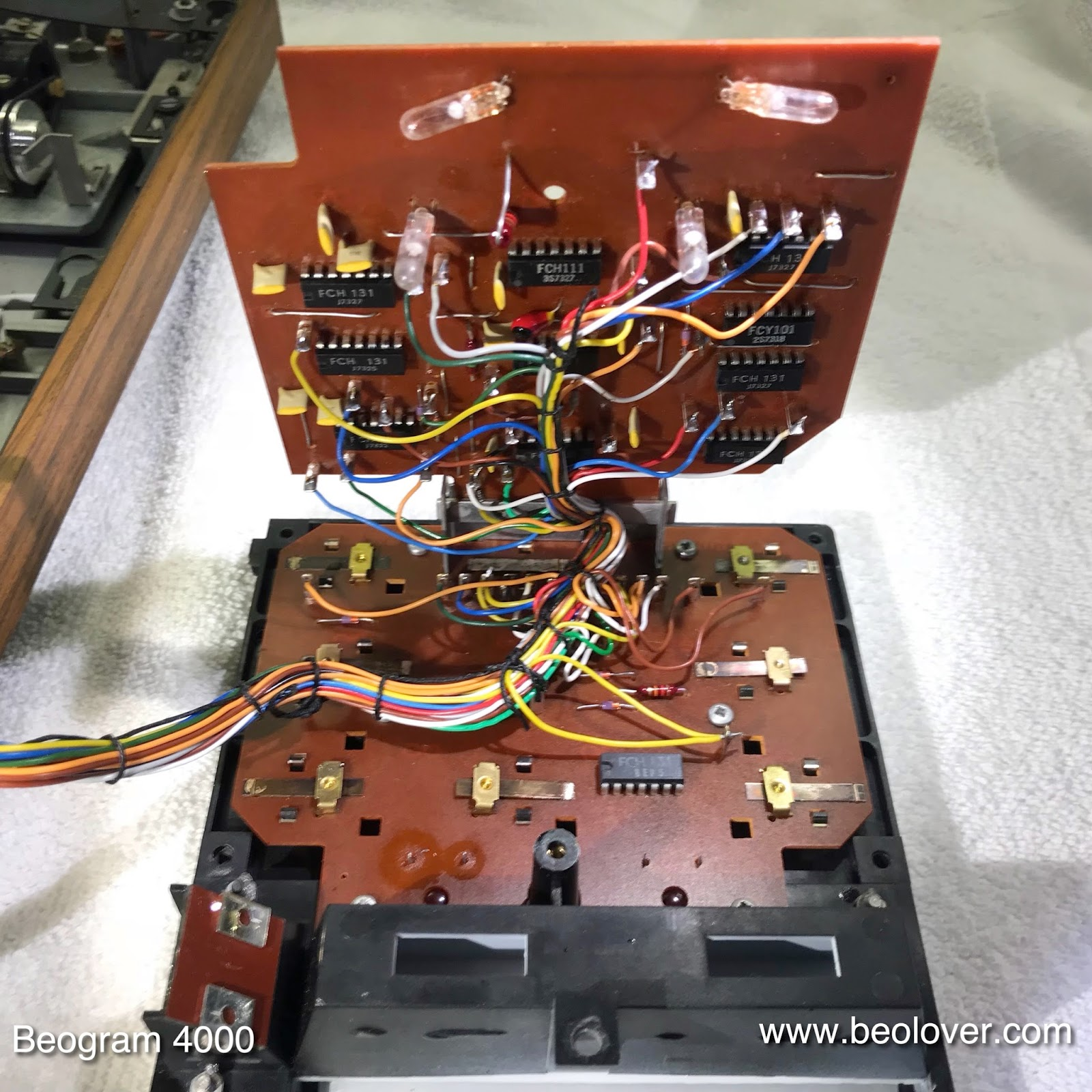 Beolover Beogram 4000 Restoration Of The Keypad Cluster Pics Photos Electronic Circuit Board Showing Wires And Microchips Upper Contains Some Logic Chips Light Bulbs That Illuminate Position Indicator Rpm Trimmers Lower Pcb Is Populated