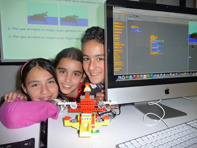 robotica-educativa-pedagogica-scratch-ninos-ninas-programacion-arequipa-code-grupoeducativa-roboticaenarequipa-roboticaparaninosenarequipa