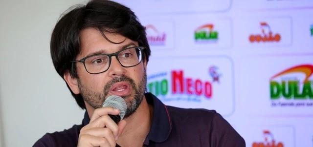 Dirigente prometeu acionar o responsável pela arbitragem junto à CBF por erro a favor do Corinthians