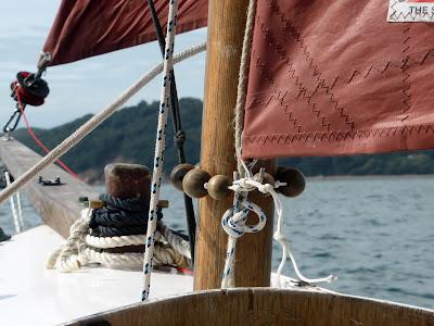 standing lug sail configuration