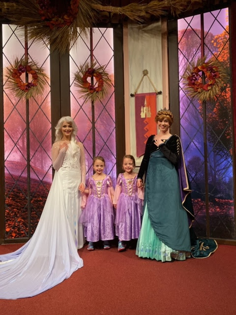 Anna and Elsa's Royal Welcome