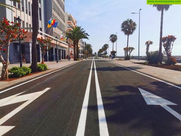 El Ayuntamiento cierra un tramo de la avenida Marítima, en sentido norte-sur, por labores mantenimiento y poda de jardines