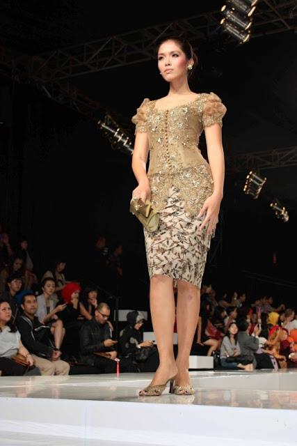 Baju Kebaya Modern Lengan Pendek