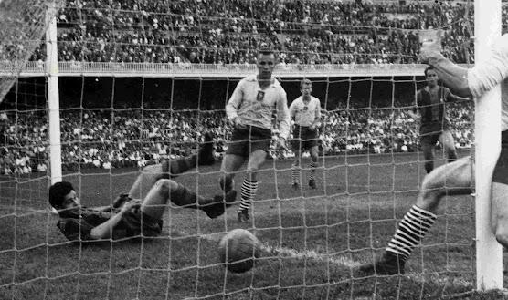 Mecz otwarcia stadionu Camp Nou FC Barcelona i reprezentacja Polski