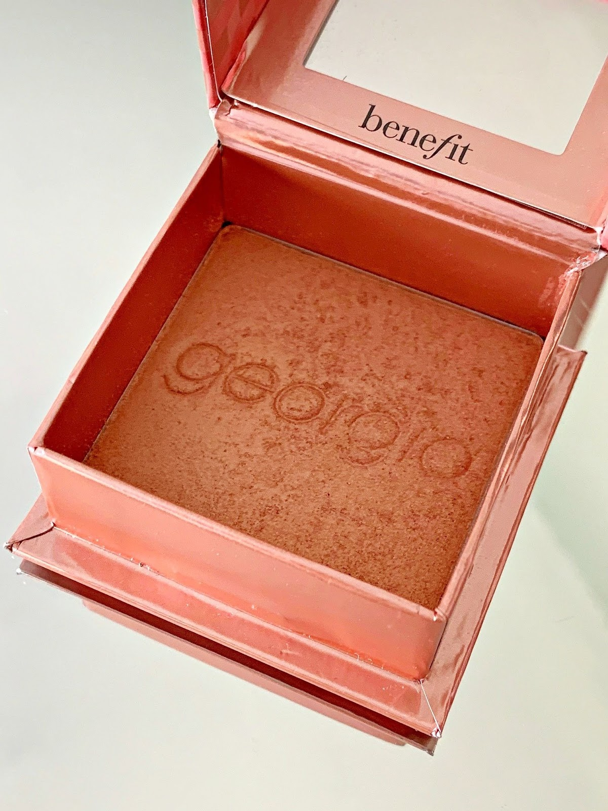 Benefit Georgia Blush - a Look Fantastic Exclusive with a 20% discount!