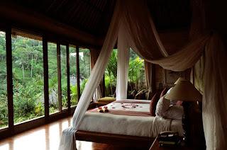 Menciptakan Kamar Tidur Dengan Suasana Romantis