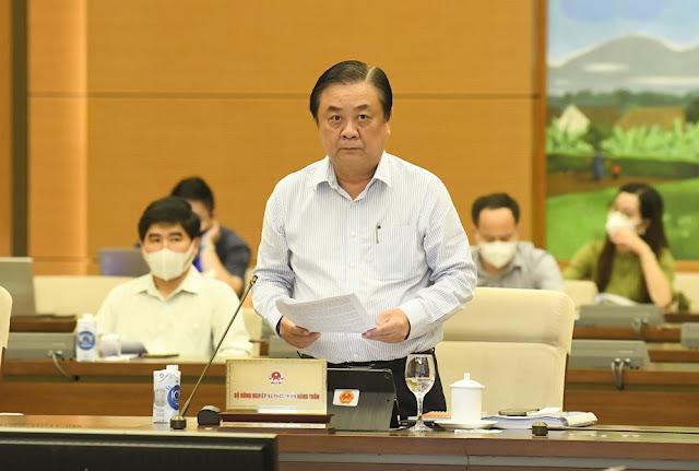Bộ trưởng Bộ Nông nghiệp và Phát triển nông thôn Lê Minh Hoan phát biểu tại Phiên họp thứ 3, Ủy ban Thường vụ Quốc hội