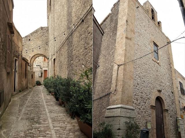 Chiesa San Carlo e viuzza di Erice