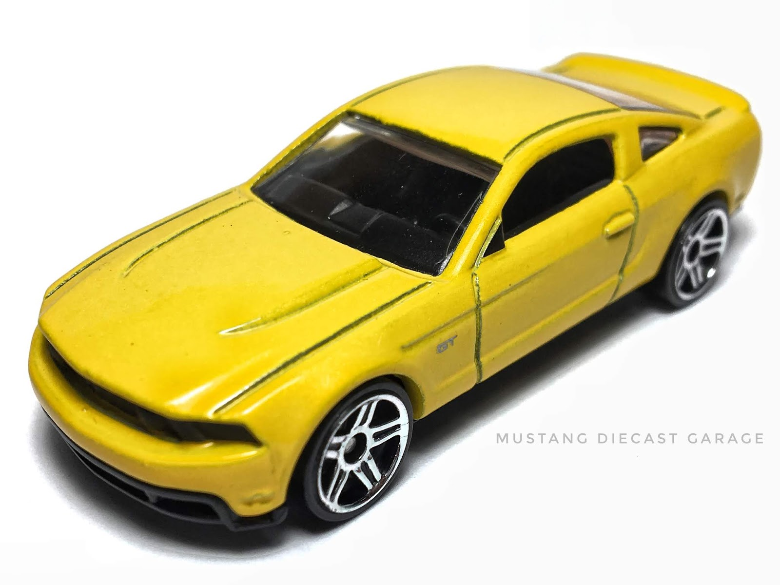 Hot Wheels 2010 Ford Mustang GT 2009 New Models Yellow