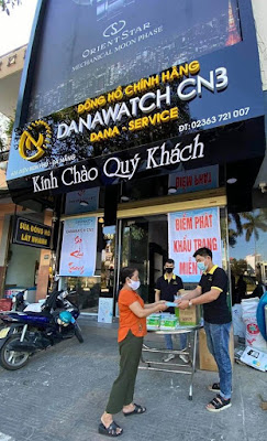 Hỗ trợ phát khẩu trang tại Đà Nẵng