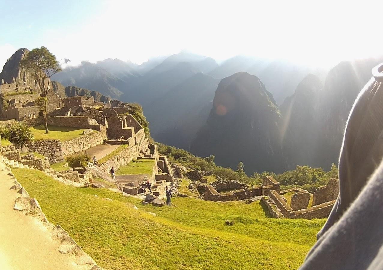 Belo amanhecer em Machu Picchu / Peru.