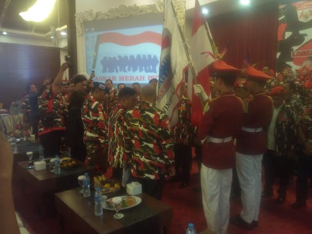 """Ia menjelaskan bahwa, LMP Mada Lampung bekerja sesuai Undang-Undang dan AD ART. Pada pelantikan Mada LMP Lampung (Senin, 10/2/2020), kami minta wejangan dan arahan dari Danrem bagaimana memupuk nilai-nilai nasional, dari Kapolda bagaimana kami menjadi perpanjang tangan untuk menjaga keamanan dan ketertiban, dan dari Gubernur sebagai kepala wilayah Lampung bagaimana kami bisa membantu pembangunan yang kondusif,"""" jelasnya. where to stay in bandar lampung"""