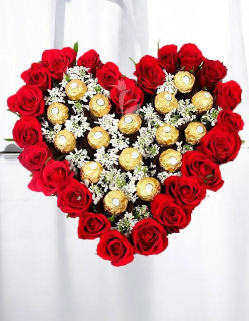 باقة ورد حمراء قلب حب شوكلاته