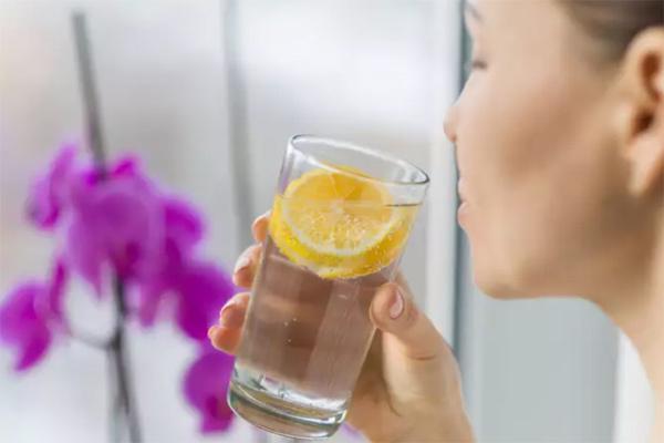 nước tăng tốc độ trao đổi chất