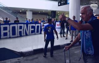 Tiba di Balikpapan, Skuat Persib Bandung Kembali Disambut Bobotoh Viking Borneo