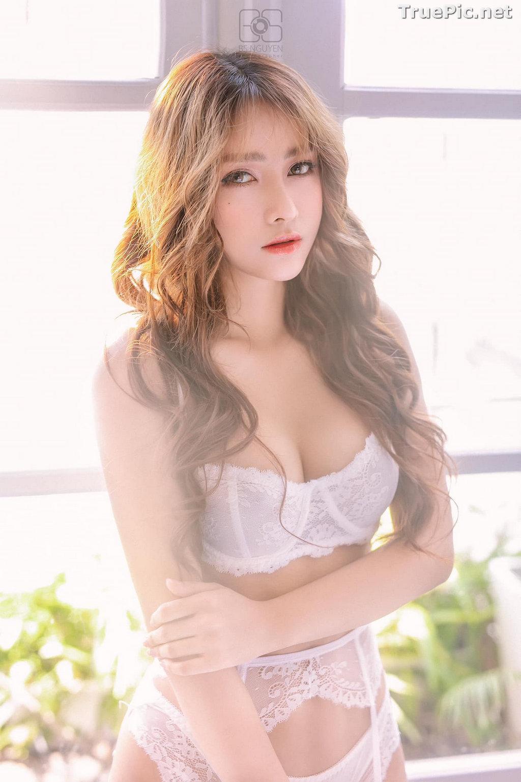 Image Vietnamese Model - Nguyen Thi Phi Yen - Beautiful Sexy White Lingerie - TruePic.net - Picture-19