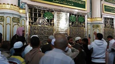 Makam Nabi Muhammad Saw di kompleks Masjid Nabawi, Madinah