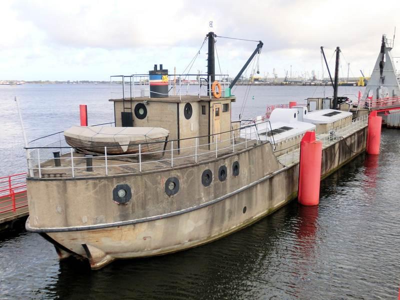 concrete vessels, cement ship, ferrocement boat, how to build a concrete barge