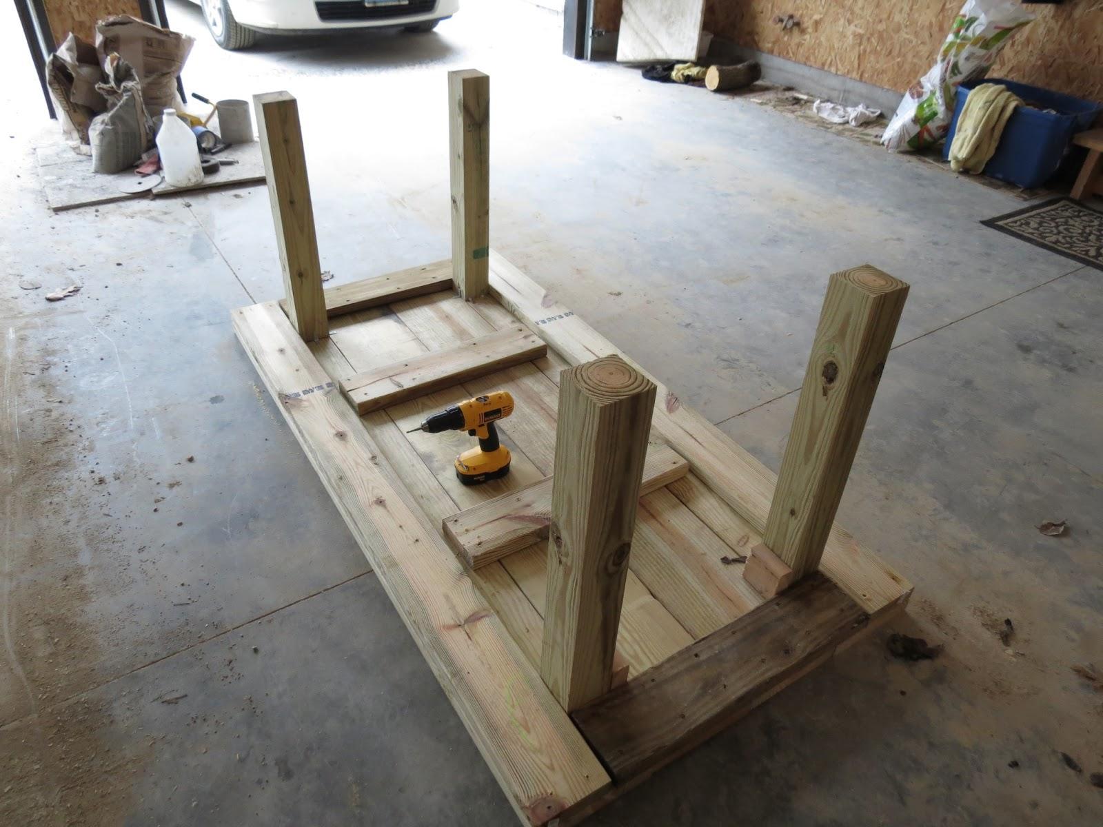 Let's Just Build a House!: DIY Simple Patio Table Details