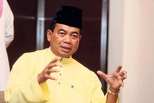 Azmin Ali Mesti Mohon Maaf Pada Najib - @AKaprawi