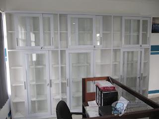 Lemari Arsip Kantor Pintu Kaca Untuk Kantor Administrasi di Jawa Tengah
