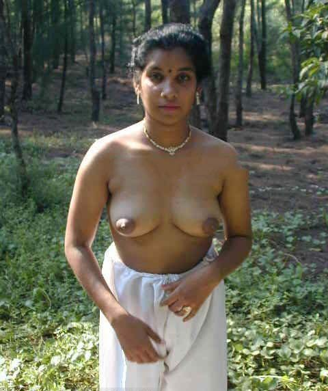 Kerala ladies with sexy boobs public photos
