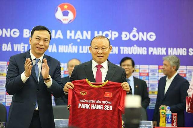 Họp báo gia hạn hợp đồng HLV Park Hang Seo: Đặt tham vọng lớn cho ĐT Việt Nam