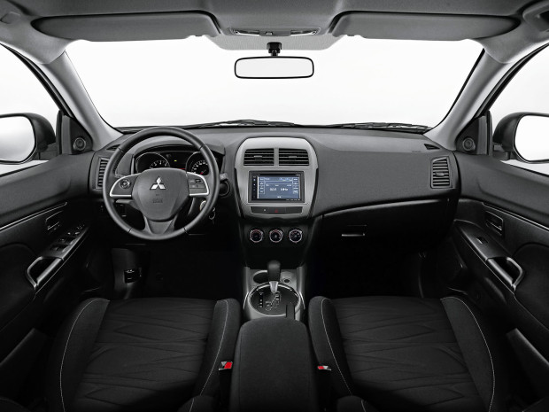 mitsubishi asx outdoor cvt interior