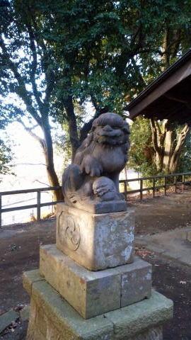 麻生区(川崎)の汁守神社狛犬左