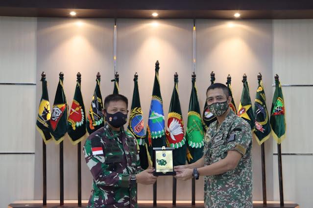 Kunjungan Pamit MMLO Pontianak, Pangdam XII/TPR : Tetap Jaga Silaturahmi
