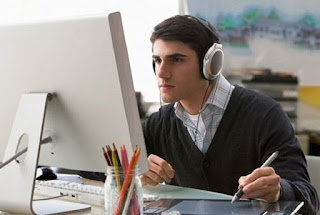 manfaat mendengarkan musik sambil bekerja