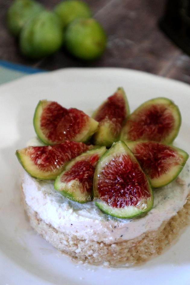 Cheesecake salata con robbiola, fichi e miele